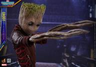 Hot Toys - GOTG Vol. 2 - Groot Life-Size Collectible Figure 07