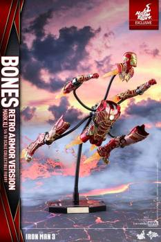 Hot Toys - Iron Man 3 - 1 6th scale Bones Mark XLI (Retro Armor Version) 05