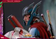 Hot Toys - Thor Ragnarok - 1 6th scale Gladiator Thor Deluxe Version 09