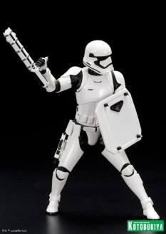 Kotobukiya - Star Wars TFA First Order Stormtrooper FN-2199 ARTFX+ Statue 01
