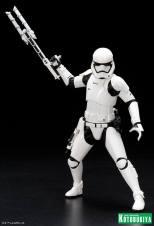 Kotobukiya - Star Wars TFA First Order Stormtrooper FN-2199 ARTFX+ Statue 05