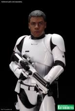 Kotobukiya - Star Wars TFA First Order Stormtrooper FN-2199 ARTFX+ Statue 08