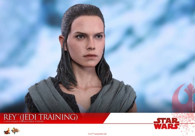 Hot Toys –  Star Wars: The Last Jedi – 1/6th scale Rey (Jedi Training)