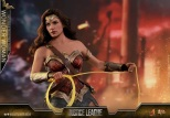 Hot Toys - Justice League - 1 6th scale Wonder Woman Collectible Figure 04.jpg