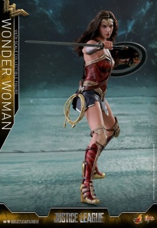 Hot Toys - Justice League - 1 6th scale Wonder Woman Collectible Figure 06.jpg